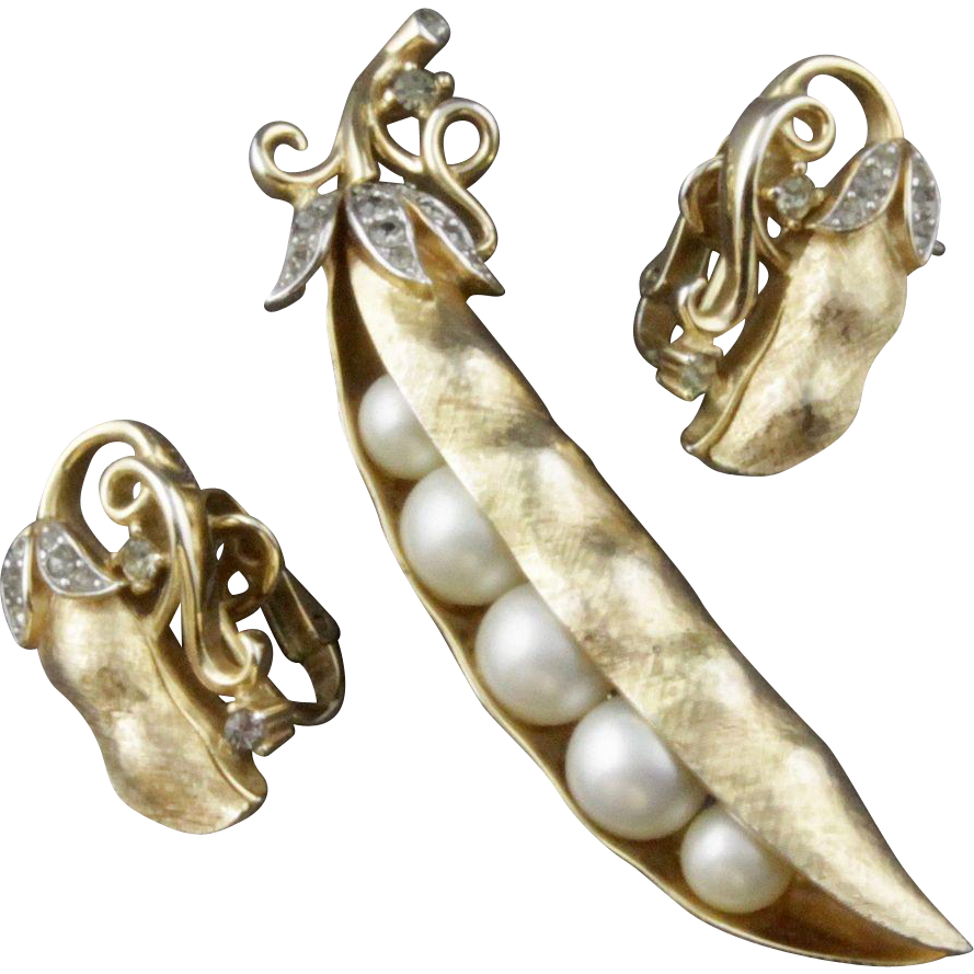 clip freeuse download This is an absolutely fabulous Trifari Gems of the Sea pea pod pin