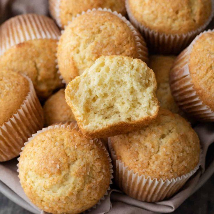 clip free Basic recipe . Muffin.