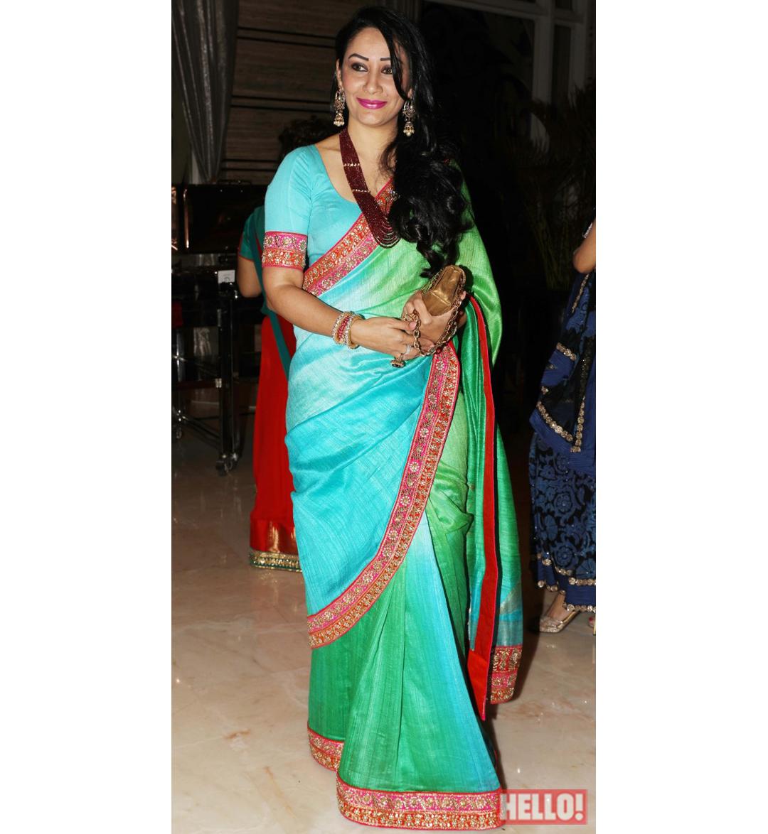 graphic black and white transparent saris back #106486901