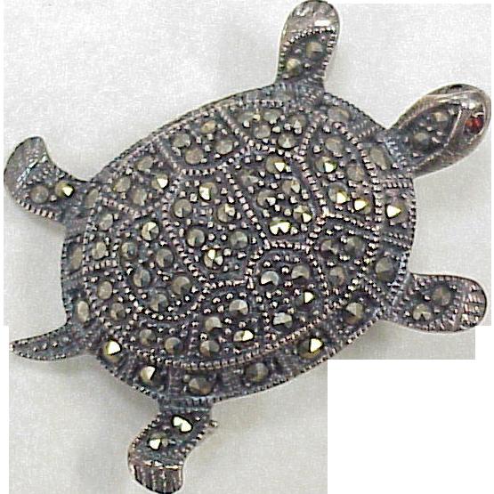 clip library stock Vintage Figural Turtle Brooch Sterling Silver Marcasite Garnet